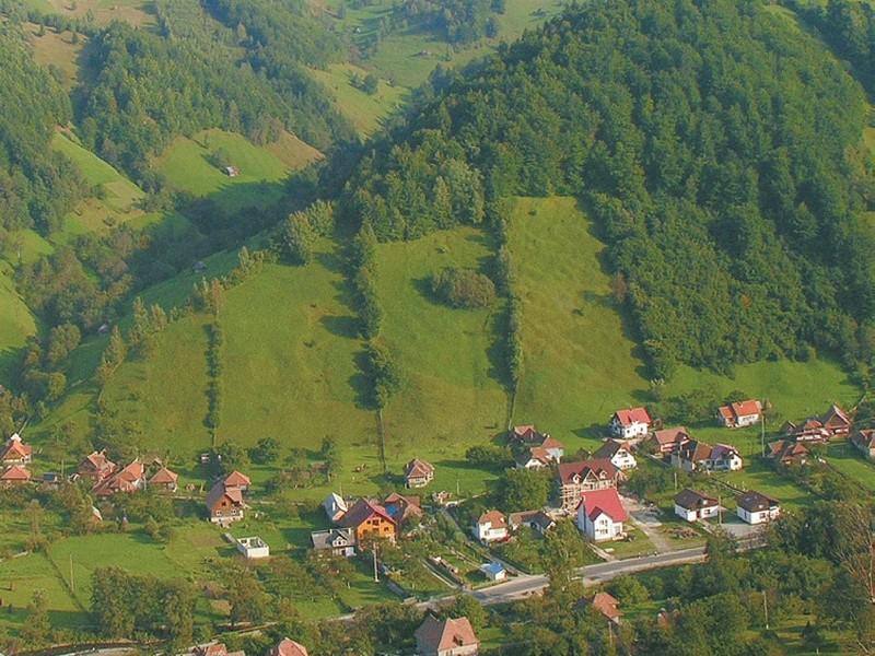 Survol cu elicopterul si invitati in Brasov