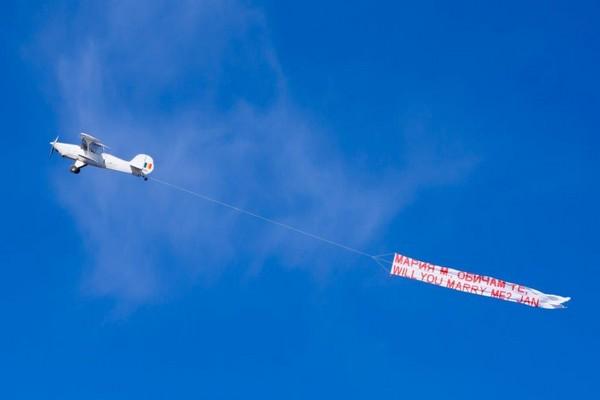 Sky banner! Mesajul tau pe cer