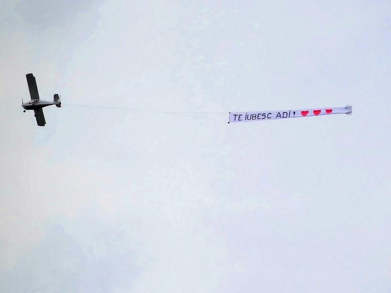 Sky banner! Mesaj pe cer in Braila