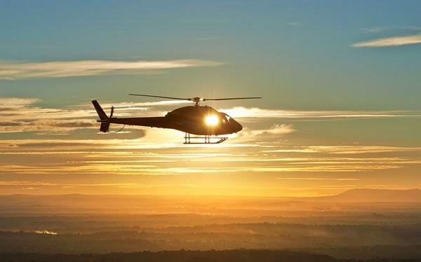 Chasing the sunset: Zbor cu elicopterul din Bucuresti