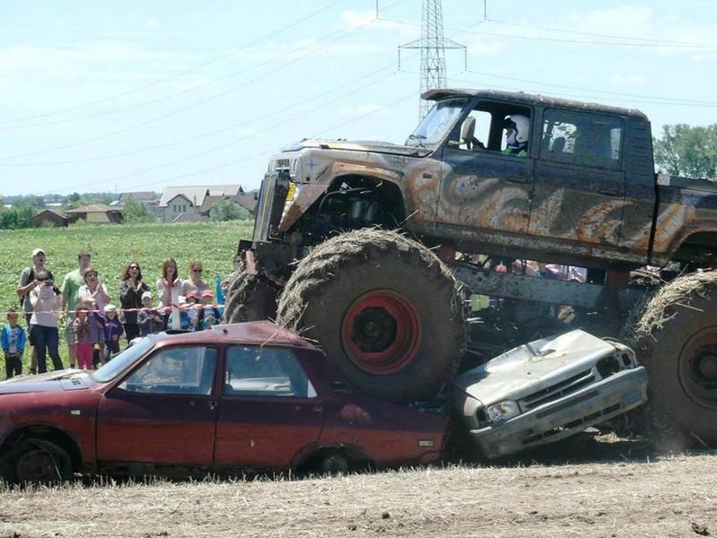 Monster Truck zdrobeste inamicul pe 27 Aprilie 2014!