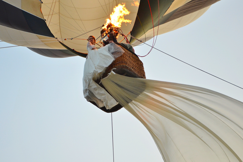 Zbor romantic cu balonul Cerere in Casatorie