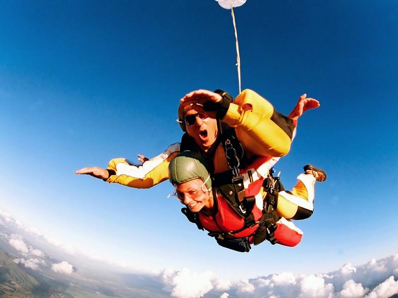 Skydiving - Salt cu parasuta in Bucuresti pentru 2