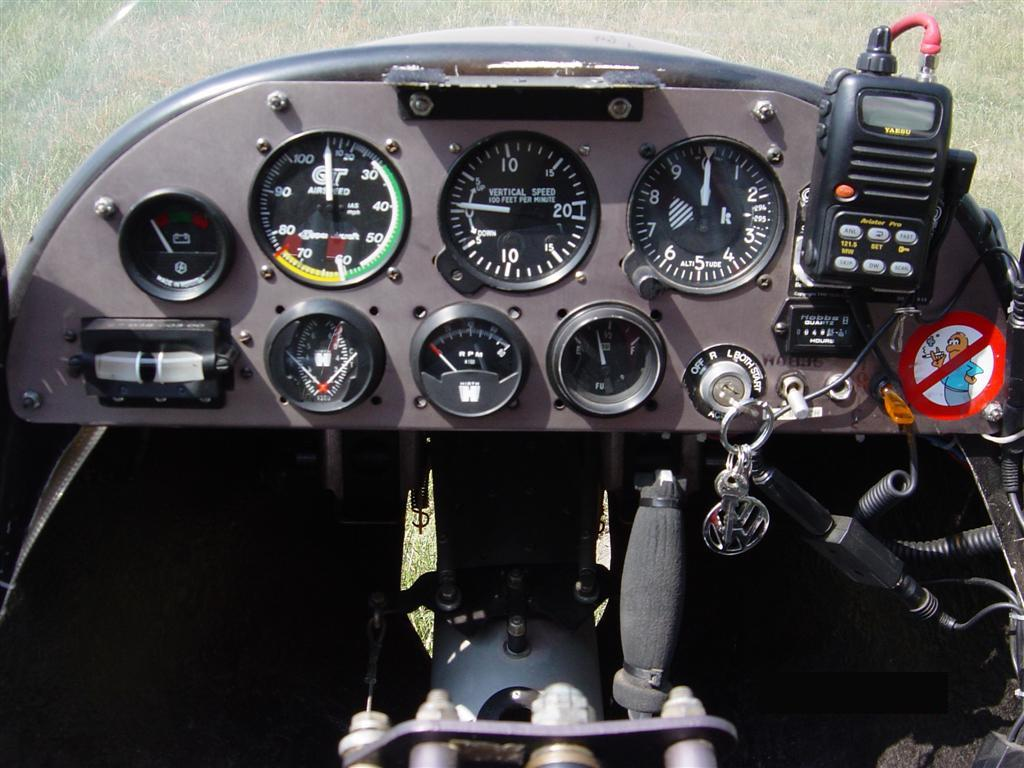 Lectie de zbor cu avionul si invitati in Cluj