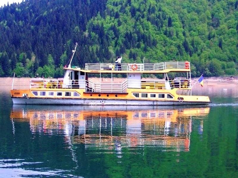 Cina pe vapor in Bicaz
