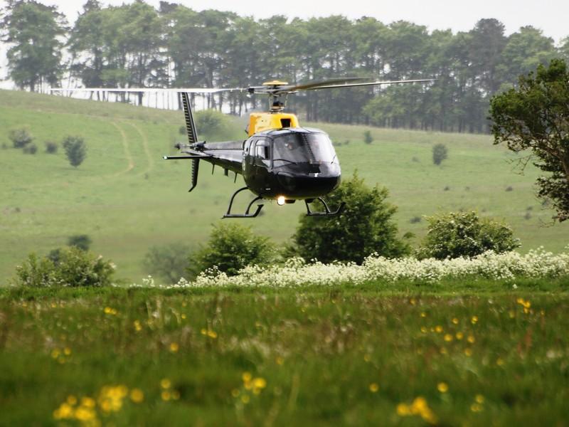 Survol de placere cu elicopterul si invitati in Ploiesti