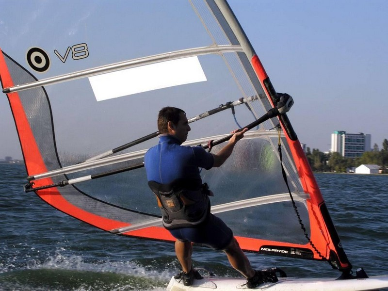 Initiere in windsurfing in Constanta