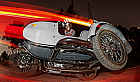 Experienta vintage cu motocicleta cu atas